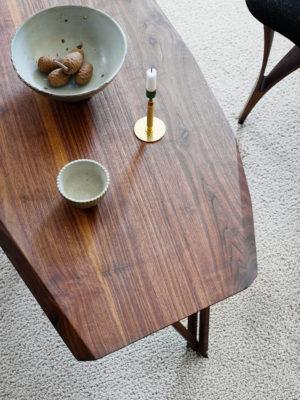 Sofabord i valnød set oppefra