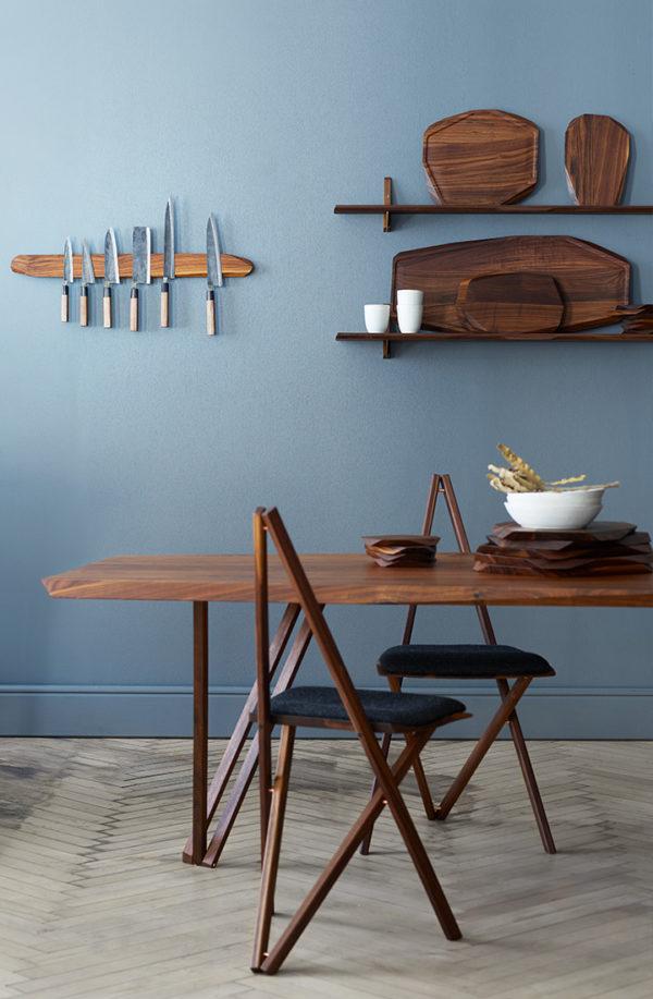 Spisebord i valnød fra Noyer.