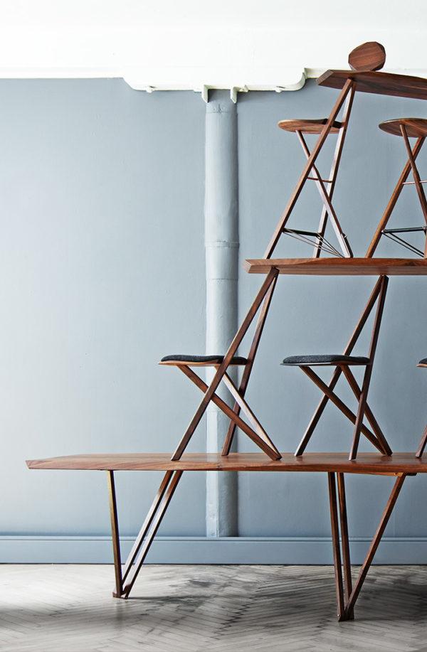 Spisebord i valnød stablet med Noyer spisebordsstole